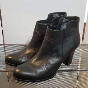 Born shoes ankle boots